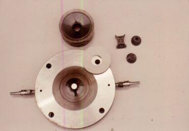 図3 ベルト型高圧装置に使われる部品