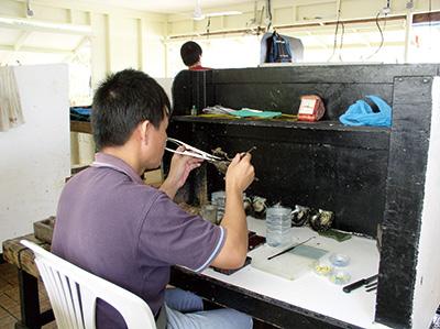 写真3:中国人核入技術者(タヒチ)