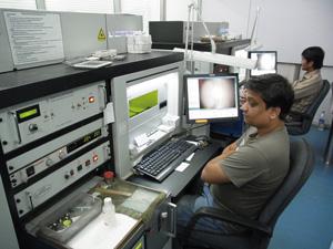 コンピュータ制御されたレーザーソーイング