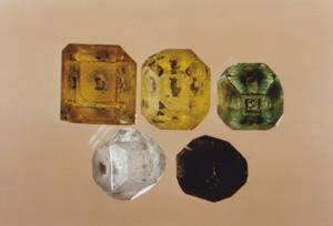 図2 各種の合成ダイヤモンド