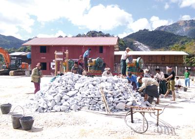 Yadana Shin Ruby鉱山の採掘