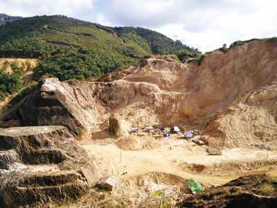 Bawmar鉱山全景