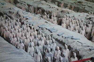世界文化遺産に登録された兵馬俑(へいばよう)