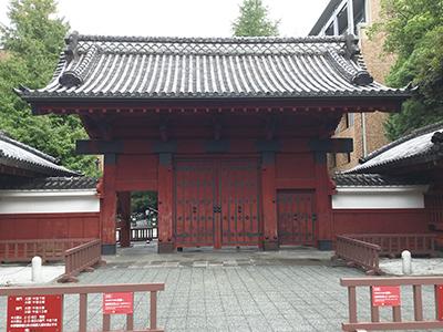 2015年年会・総会の会場となった東京大学(象徴ともいうべき赤門)