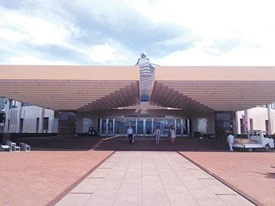 象牙彫刻美術館のある総合施設入口