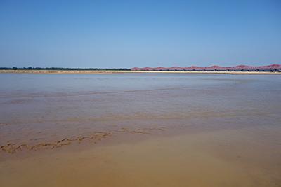 Fig.1河南省鄭州市北部を流れる黄河