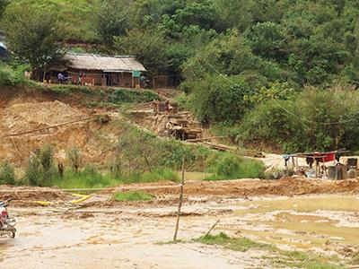 図10–1.Shwe Tharyar VillageのMEC鉱山
