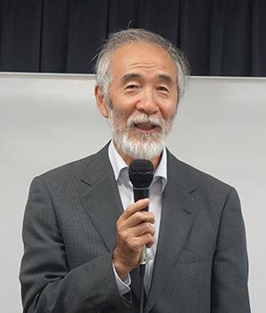 開会の挨拶をされる神田会長