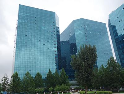 図3グローバルトレードセンターのオフィスビル群(左側がNGTCのオフィスがあるC座)