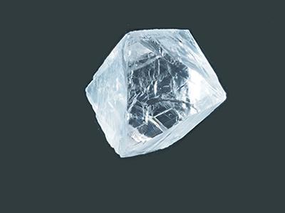 写真2–1:蛍光灯の種類、太陽光でカラーチェンジするタイプのキヤノンオプトロン製合成蛍石