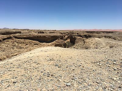 砂漠の下に広がるセスリウム渓谷