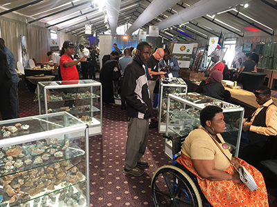 Exhibition and sale of Namibian minerals and gemstones by small–scale miners, gemstone auction, Namibian jewellery exhibitionの様子1