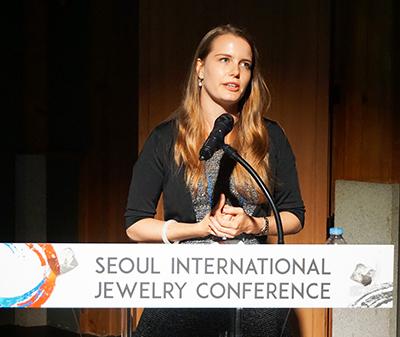 図6:GIAのUlrika D'Haenens-Johansson氏による講演