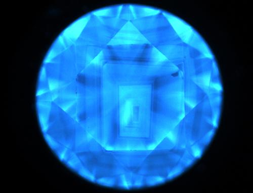 図21:DiamondViewTM像の一例/ 図21–1 天然