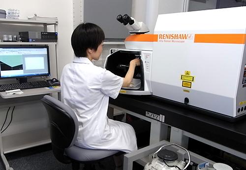 図22:顕微ラマン分光装置を用いたフォトルミネッセンス分析