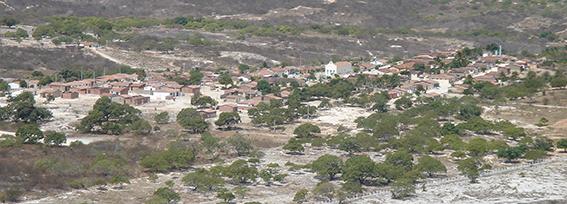 図4:バターリャの街全景(2005年10月撮影)