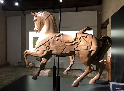 03-30馬の博物館の木馬RGB200-506