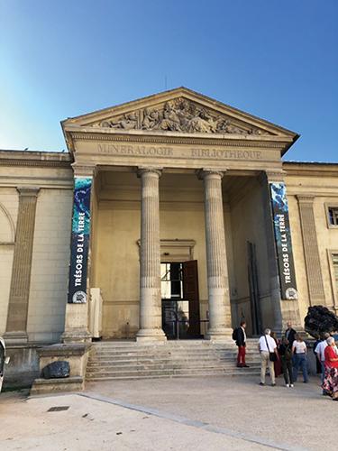 03-38自然史博物館RGB135-500