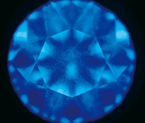 図11. Ⅱ型天然ダイヤモンドのDiamondViewTM像の一例。明瞭なモザイク模様が認められる